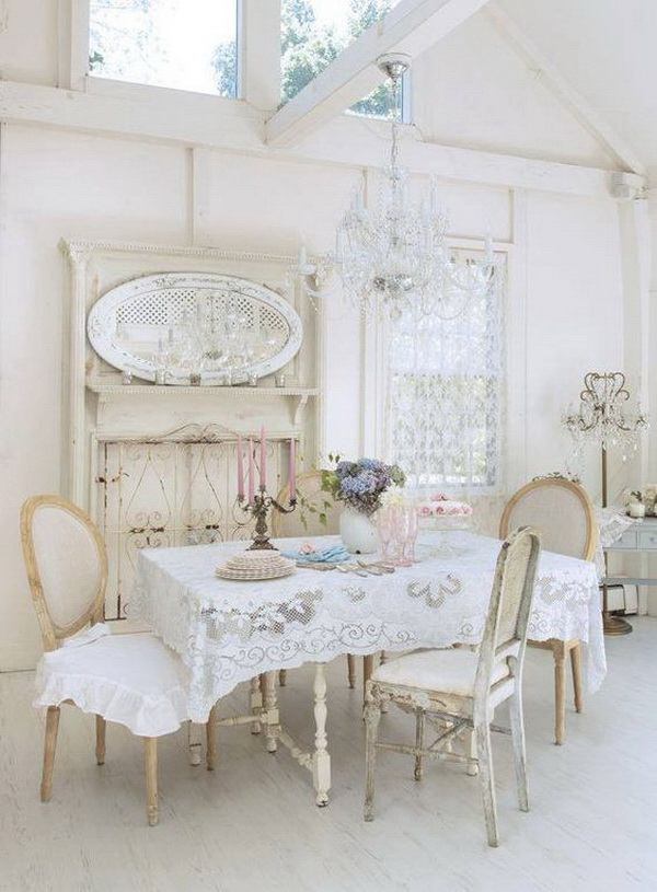 Elegant Shabby Chic Dining Room With Lace Table Cloth And Vintage Crystal  Chandelier.