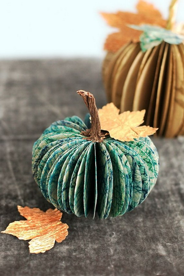 Vintage Paper Pumpkin Centerpiece. Rescue the old bookpages and turn it into a stunning and elegant piece of autumn decor within vintage charm.