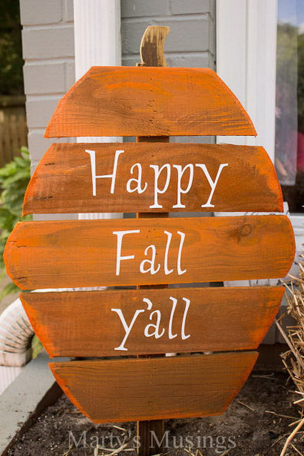 Fence Board Pumpkin Welcome Sign. These fence board pumpkins are fun, inexpensive and easy to complete with some pieces of leftover wood, spray paint and vinyl letters.