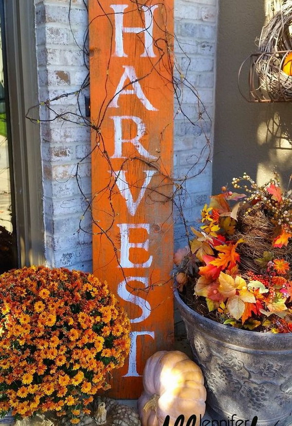 HARVEST Barnwood Sign for Fall. This harvest sign is such a fun, festive and easy burst of fall color fall decor to add to your front porch!