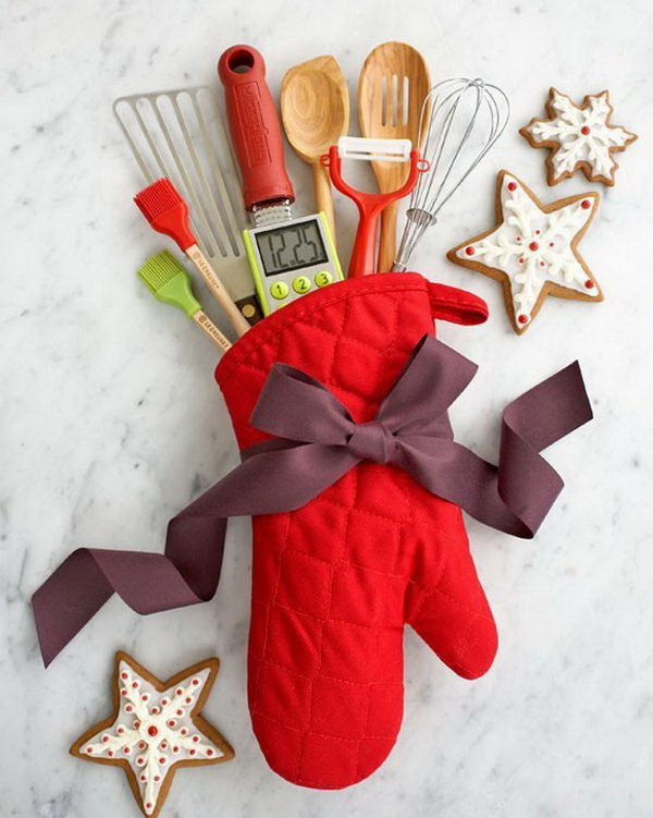 Kitchen Themed Christmas Gifts. Quick and Inexpensive Christmas Gift Ideas for Neighbors