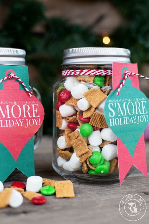 S'mores Mason Jar Gifts. Quick and Inexpensive Christmas Gift Ideas for Neighbors