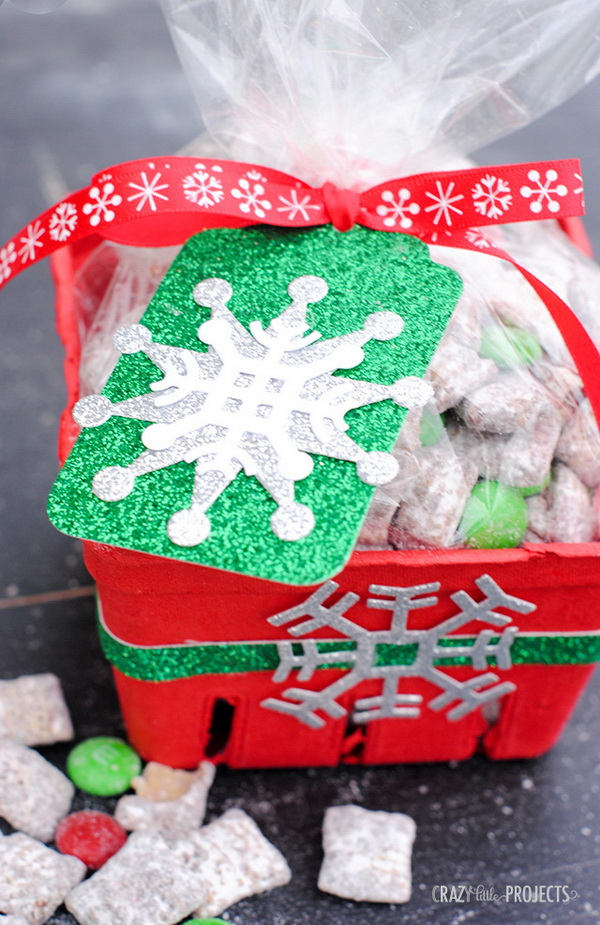 Candy Cane Muddy Buddies. Quick and Inexpensive Christmas Gift Ideas for Neighbors