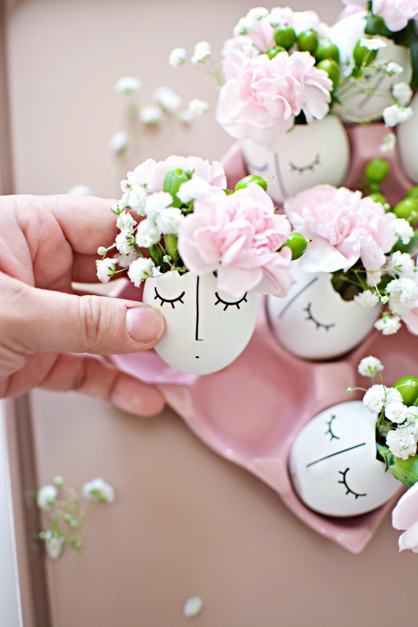 DIY Whimsy Illustrated Eggshell Centerpiece. Transform the eggshells into sweet spring table decor with just a few supplies in no time! So lovely and cute for your Spring and Easter decoration!