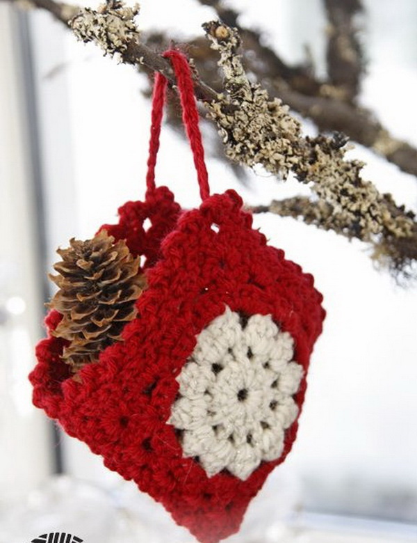 Crochet Christmas Bag Ornament.