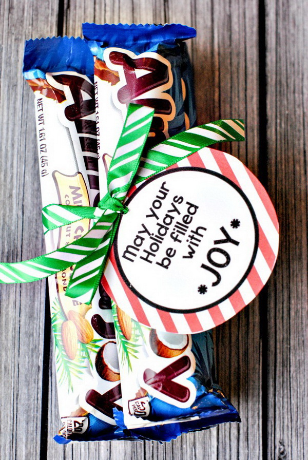 Christmas Neighbor Gift Ideas: Easy Almond Joy Gift Idea
