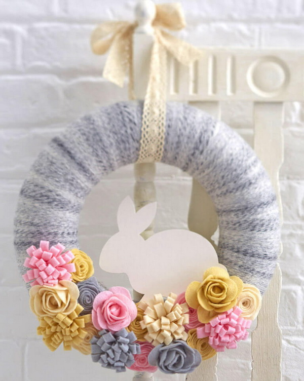 DIY Easter Wreath Ideas: Felt Easter Bunny Wreath.
