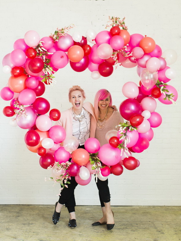 Balloon Heart Photo Backdrop.