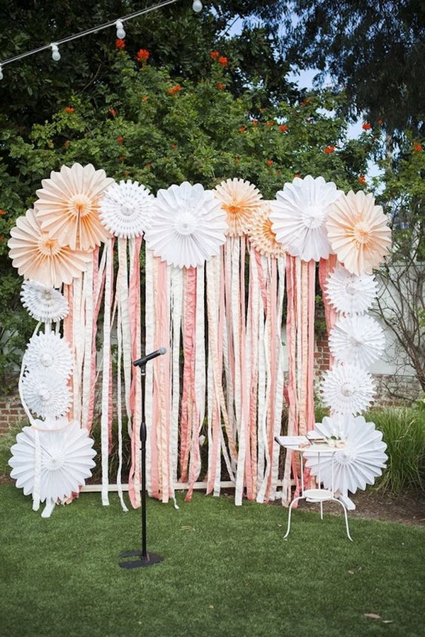 DIY Pinwheel Flowers Photo Booth Backdrop.