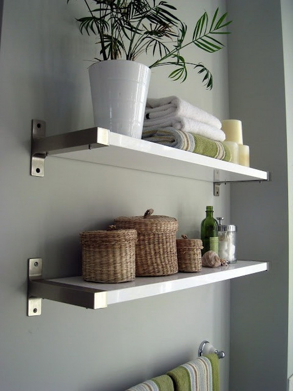 IKEA floating shelves are the perfect pieces for your bathroom!