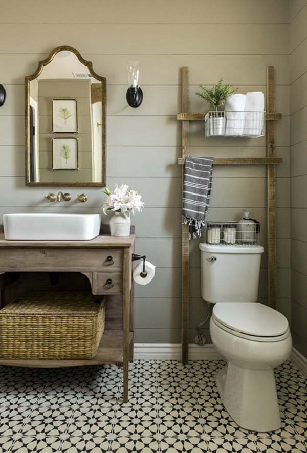 Rustic DIY Over the Toilet Storage Ladder.