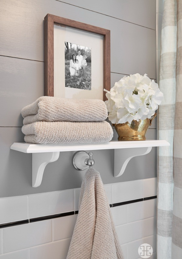 Stylish Shelf Unit Over the Toilet.