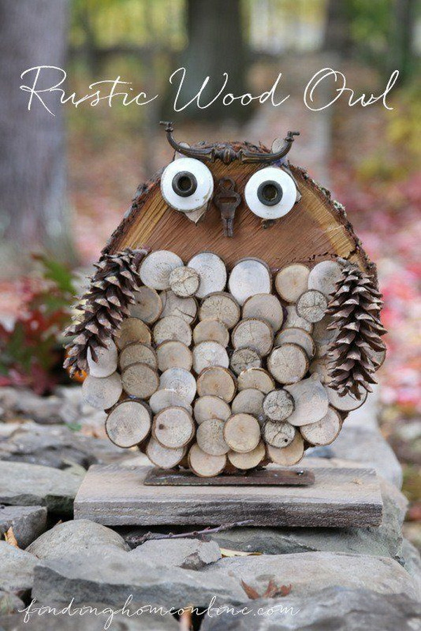DIY Rustic Wood Owl. Use a big wood slice to make your super cute owl charm together with some small wood slices and pinecones.
