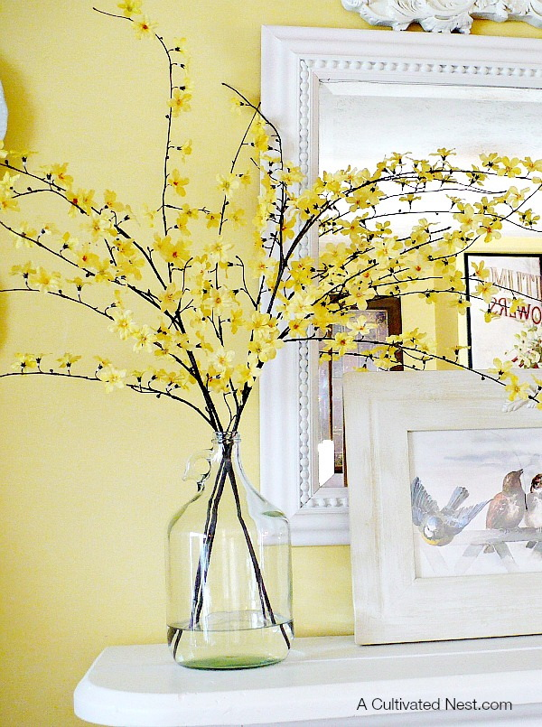 DIY Spring Centerpiece. Simple but so elegant for your living room decor!