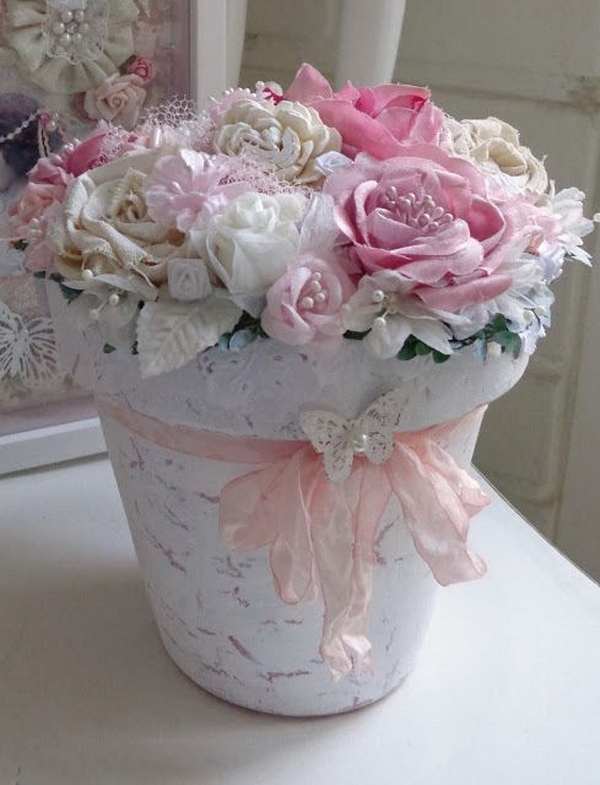 Shabby chic flower pot.