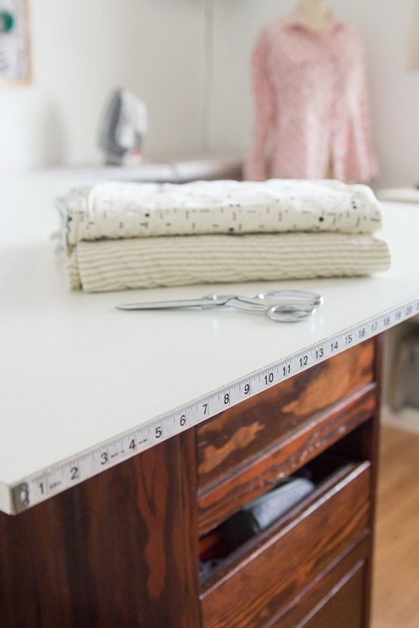 Sewing Hacks: Cutting Tables With Measuring Tape.