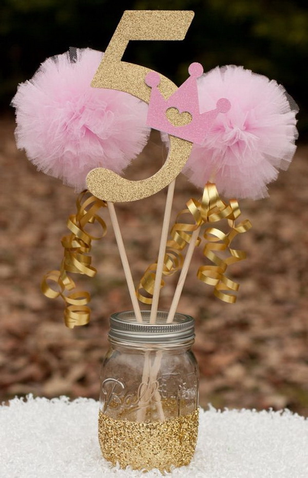Princess Mason Jar Centerpiece<.