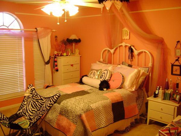 Worm Bedroom.
