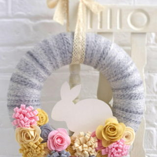 15+ Easy and Quick DIY Easter Wreath Ideas
